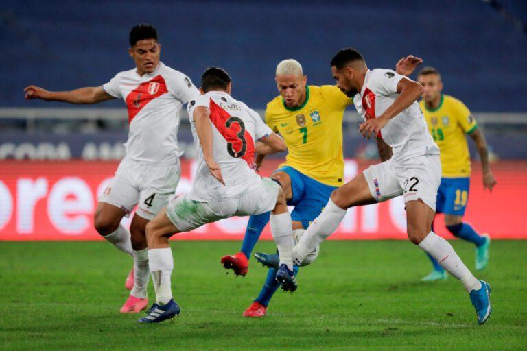 Copa América: Brasil ganó por la mínima y espera rival