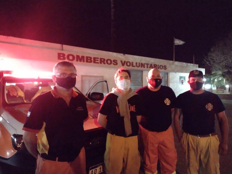 4 Bomberos Voluntarios de Brinkmann acudieron a incendio en San José de la Dormida